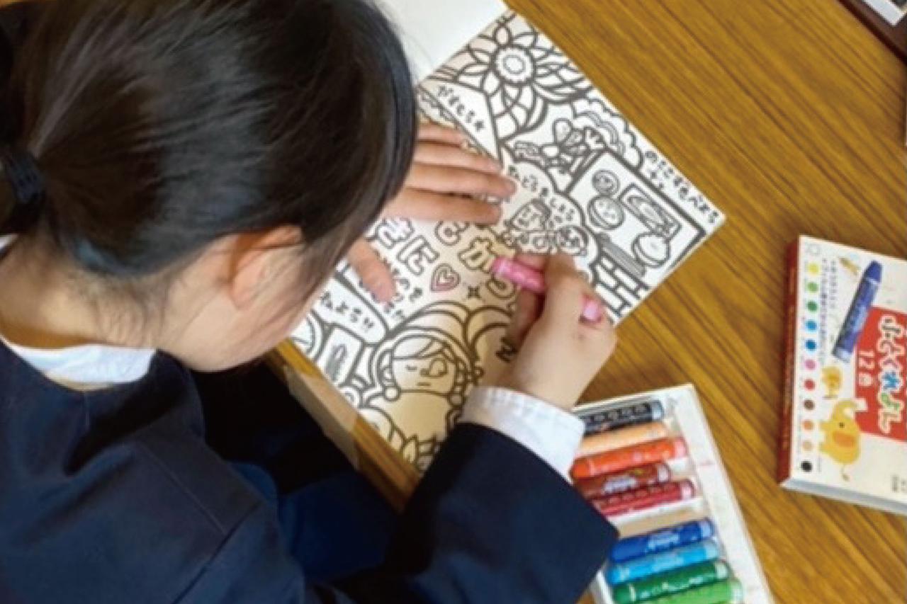 市内放課後子ども教室にオリジナルぬり絵を寄贈